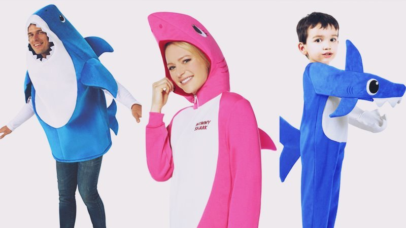 Halloween Costumes family dressing up as Baby sharks